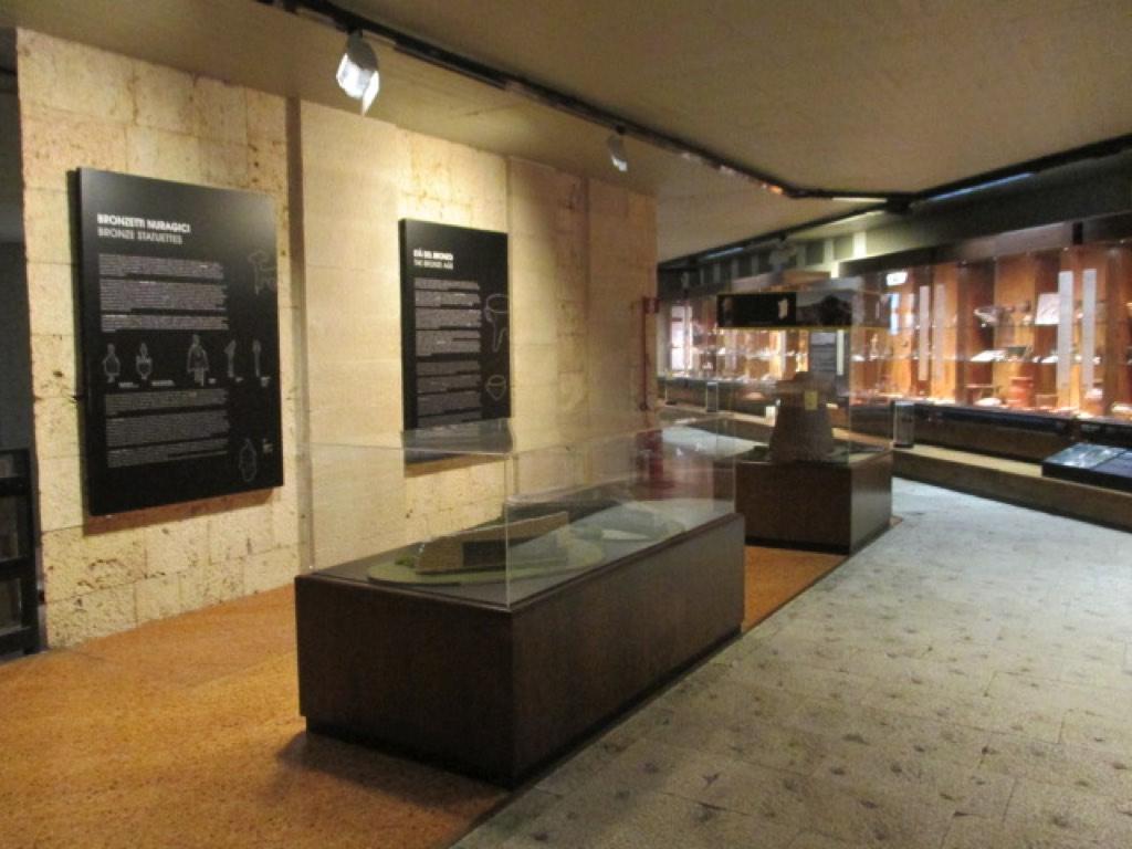 Galleria allestimenti musei fiere mostre neon europa - Mostre design milano ...