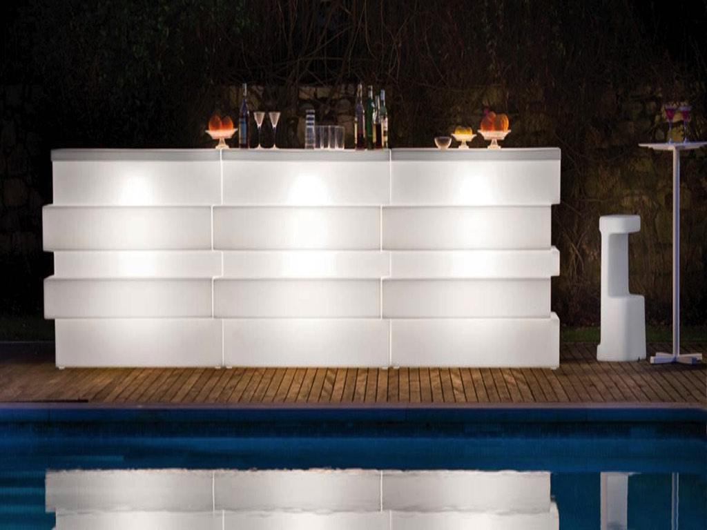 Complementi arredo banco bar lumonoso da esterno pedrali for Negozi complementi d arredo