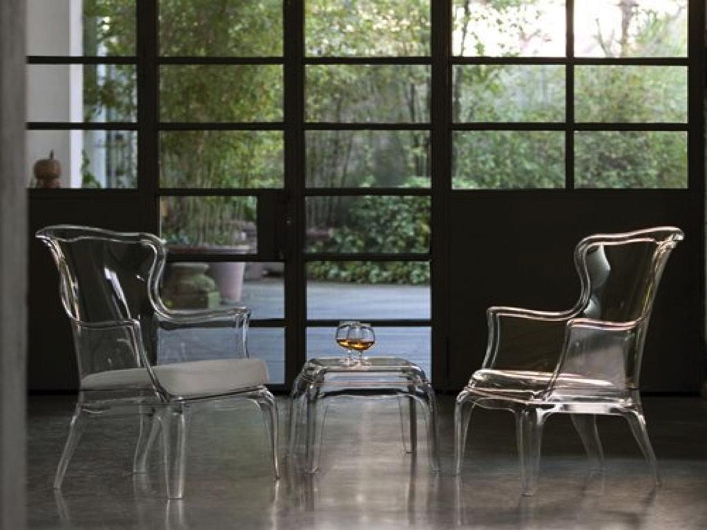 Sedie sgabelli poltrona trasparente pasha pedrali neon for Negozi di sedie