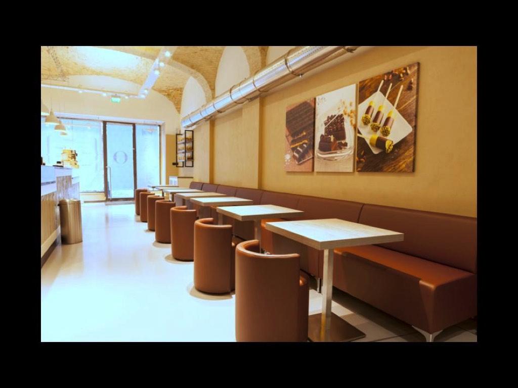 Tavoli sedie bar fabulous home arredo bar galleria tavoli for Tavoli sedie bar