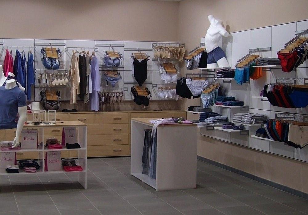 Arredo negozi 0038 arredamento negozio di intimo neon for Negozi di arredamento